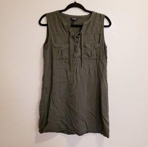 a.n.a Dark Green Medium Sleeveless 2 Pocket Dress